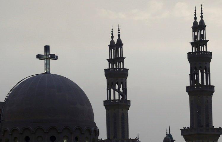 El gobierno egipcio restaura y regulariza más de 500 iglesias coptas