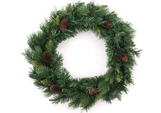 corona de Navidad sencilla con piñas
