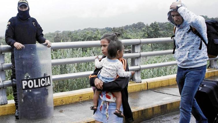 Venezuela: El brutal éxodo que deja familias divididas en las fronteras