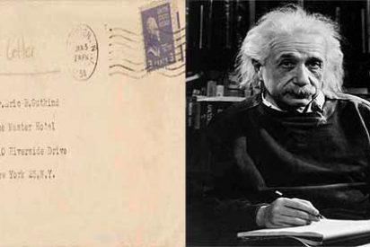 """Subastan la carta de Einstein en la que dice que Dios es producto de la """"debilidad humana"""""""