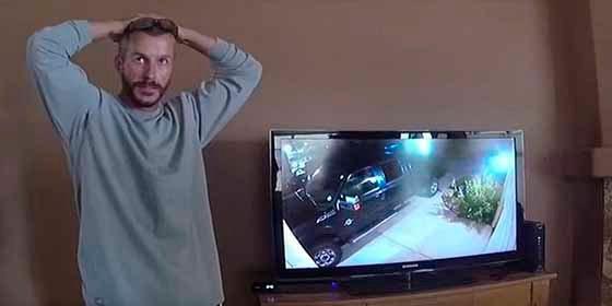 """El video que muestra la reacción del """"monstruo de Denver"""" al darse cuenta que su coartada se derrumbó"""
