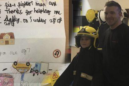 Este niño de 7 años sobrevive a un mortal accidente y se lo agradece a los bomberos con un emotivo dibujo