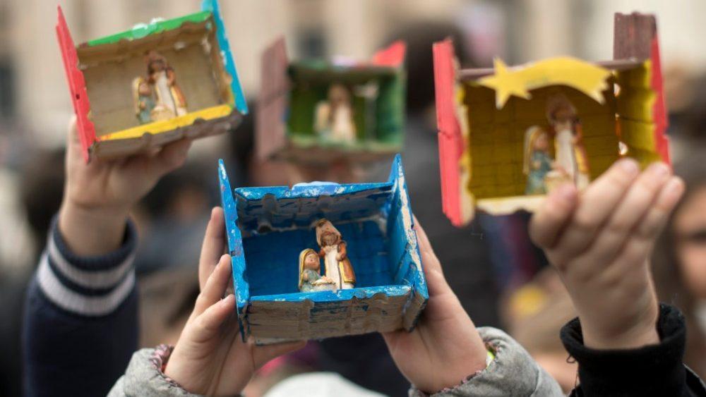 """Francisco, a los niños: """"Jesús es bueno, Jesús es tierno, Jesús es humilde. Esta es la verdadera Navidad"""""""