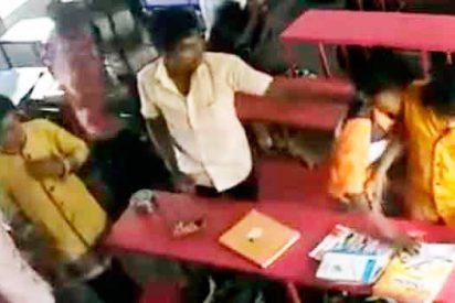 El vicerrector de una universidad india anima a los estudiantes a que maten a sus compañeros