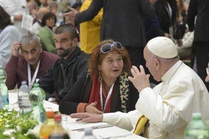 El Papa invita a comer a los pobres romanos