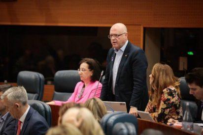 El diputado de Ciudadanos que preside en la Asamblea de Madrid la comisión de universidades no tiene ningún título