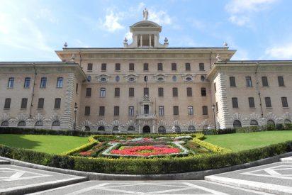 Francisco da más poder de auditoría y control al 'jefe de Gabinete' del gobierno del Vaticano