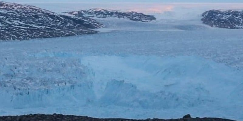 """Preocupante hallazgo en el hielo de Groenlandia que es """"clave para el futuro"""""""
