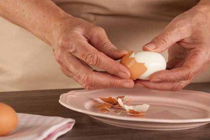 El truco infalible para pelar un huevo cocido a la perfección