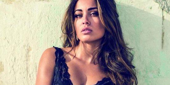 Hiba Abouk posa en bikini e incendia las redes