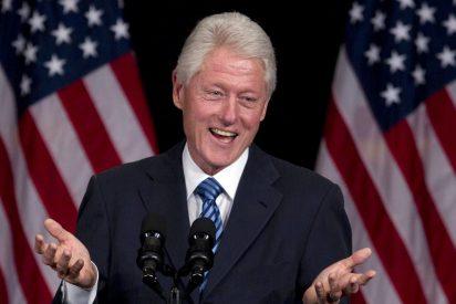 Bill Clinton se pone un vestido y tacones: el cuadro que escondía Jeffrey Epstein