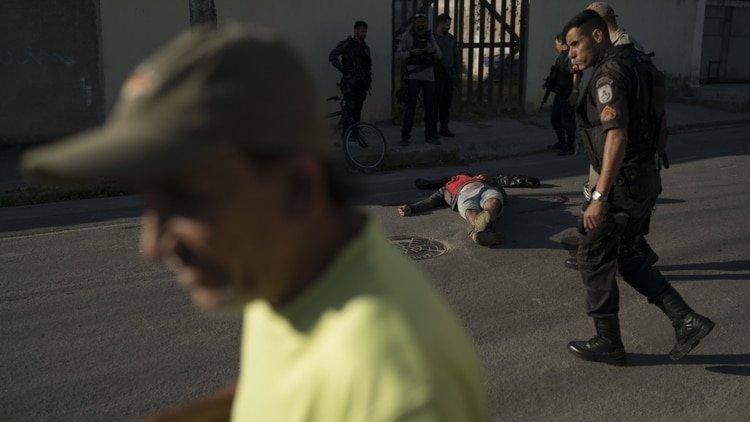"""Los grupos paramilitares crecen """"como un cáncer"""" en Río de Janeiro"""