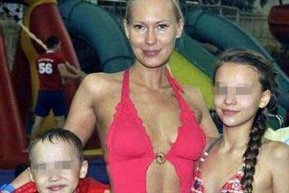 Detenida la modelo rusa que vendía la virginidad de su hija de 13 años