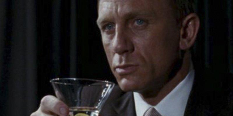 Según los científicos James Bond tiene un problema con la bebida