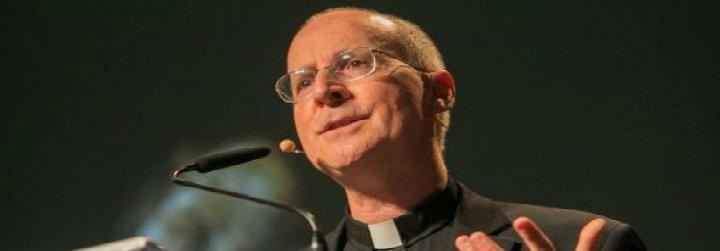 """James Martin, sj: """"Hay cientos, miles de sacerdotes homosexuales que llevan vidas santas"""""""
