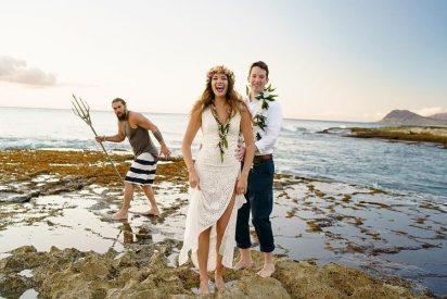 Aquaman irrumpe en una sesión de fotos de unos recién casados