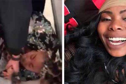 El vídeo del brutal arresto a una madre que cargaba a su bebé desató la indignación en Nueva York