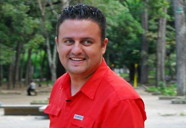 Periodista chavista hace el ridículo al culpar a EEUU del sismo en Venezuela