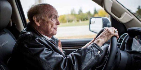 El milmillonario de los Récords Guinness que duerme en su furgoneta