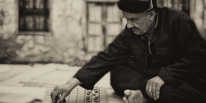 Descubren este 'juego de mesa' de 4.000 años de antigüedad con el que los nómadas pasaban el rato
