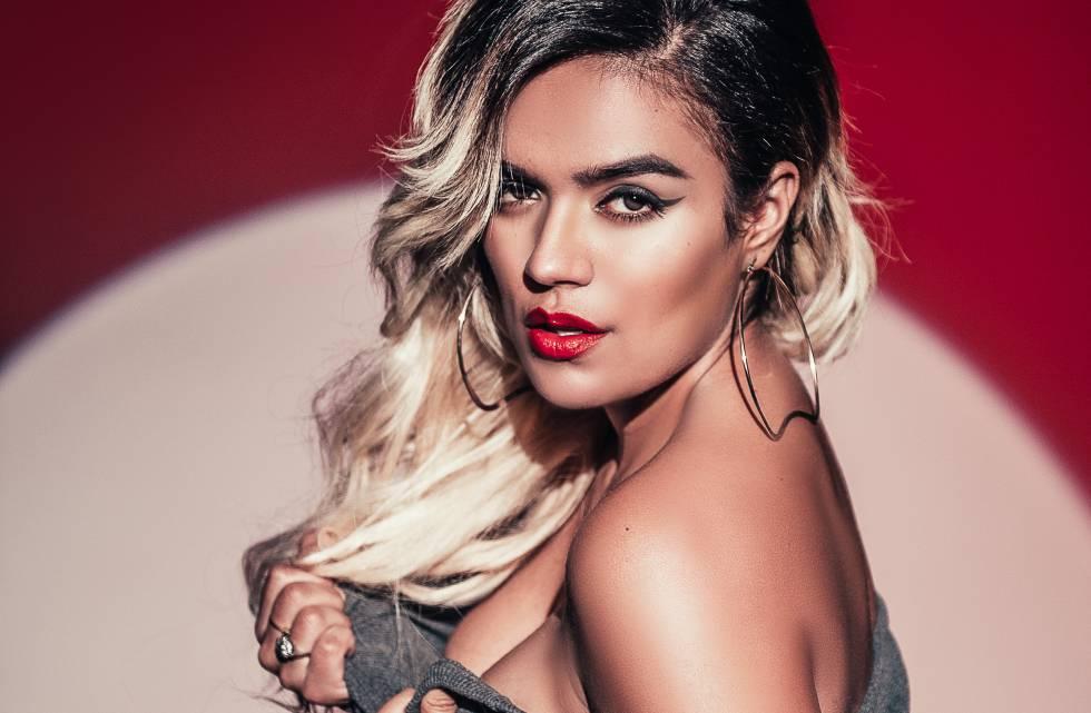 La foto en cueros de la colombiana Karol G
