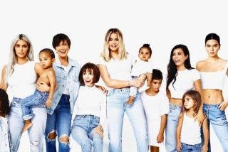Las Kardashian revelan su anhelada tarjeta navideña