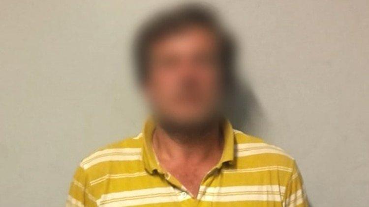 Paga a una drogadicta para que lo deje violar a su hija de seis años