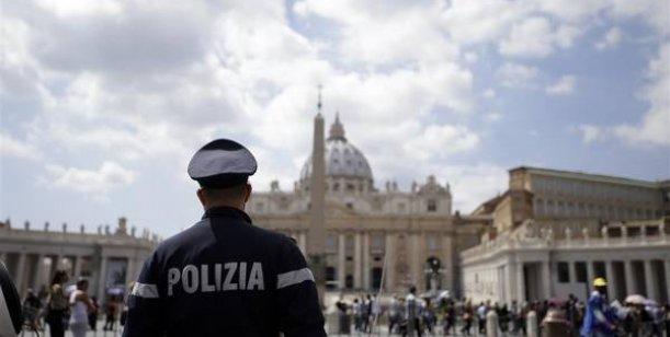 El Vaticano destituye a cinco funcionarios de la oficina de control financiero
