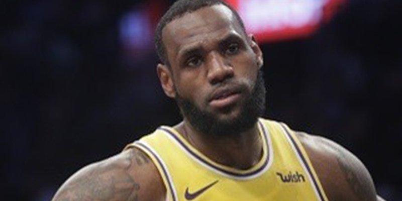 La estrella de la NBA LeBron James fue evacuado de su casa por los brutales incendios de Los Angeles