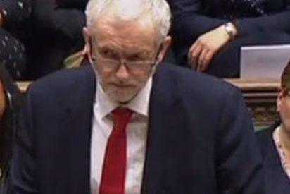 Lea los labios: ¿llamó el líder laborista 'mujer estúpida' a Theresa May?