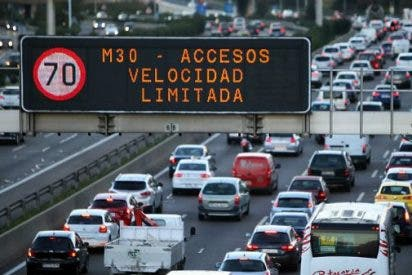 Las medidas anticontaminación de Carmena siguen sin funcionar: Limitada la velocidad a 70 km/h en M-30 y accesos por alta contaminación
