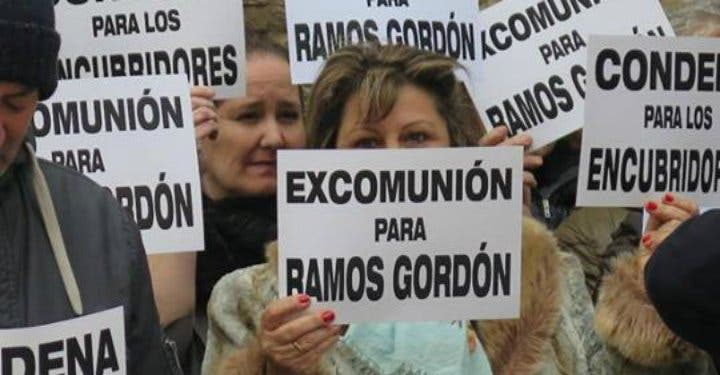 """Exseminaristas piden para Ramos Gordón """"una condena real"""" y no """"unas vacaciones en un monasterio"""""""
