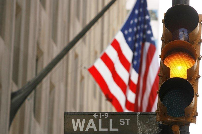 Wall Street se desploma y está ya a un 6% de la zona de pánico inversor