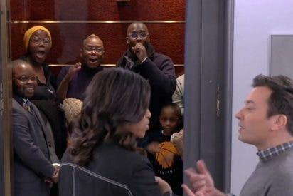 Michelle Obama y Jimmy Fallon sorprenden a los visitantes del Rockefeller Center
