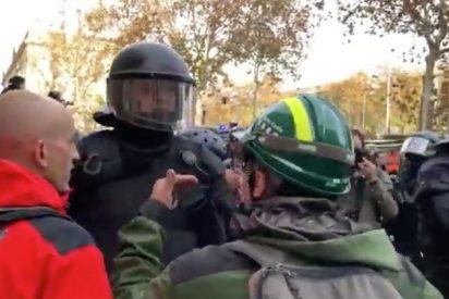"""Cacería 'indepe' contra el mosso de """"la República no existe"""": Torra quiere arruinarle la vida"""