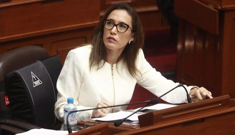 """Una legisladora denuncia """"tocamientos indebidos"""" dentro del Congreso del Perú"""