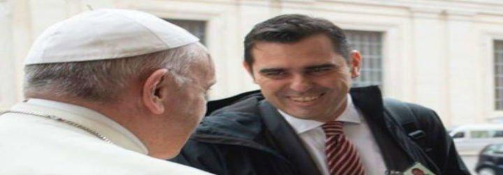 Francisco cambió a su vocero: se van Burke y Ovejero y entra el italiano Gisotti