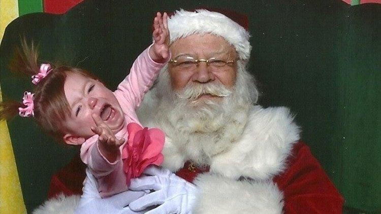 Despiden a una profesora por grinch: reveló a los niños el secreto de Papa Noel