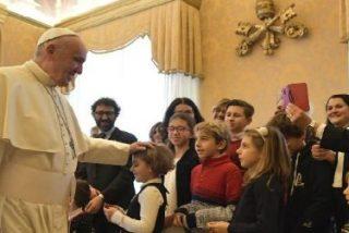 """El Papa alienta a los jóvenes a ser """"generosos canales de bondad y acogida"""""""