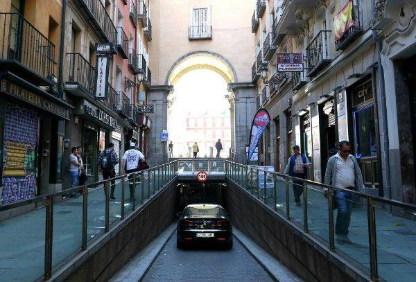 El infierno de Madrid Central: conductores multados injustamente por culpa de máquinas defectuosas en los párkings