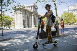 El mareo de Carmena con los patinetes eléctricos: ahora deniega el permiso para operar a tres empresas