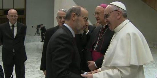 """Francisco agradece a Vian """"su fidelidad al informar de la palabra del Papa"""""""