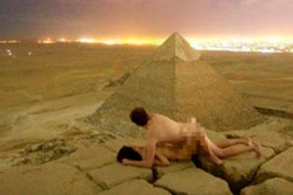 Egipto declara la guerra a los dos cachondos que escalaron la Gran Pirámide para follar arriba