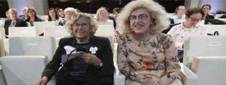 Tremendo cachondeo en Twitter con esta foto de Carmena con su 'tía polaca'