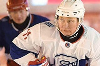 ¿Has visto a Putin jugando al hockey en la Plaza Roja?