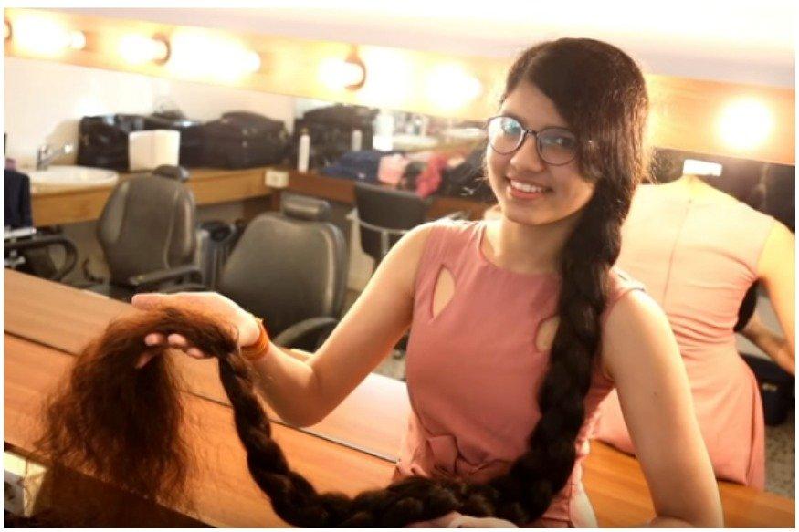La Rapunzel india: Una joven dejó de cortarse el cabello a los 6 años