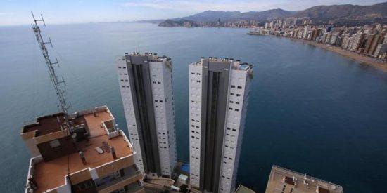 El Supremo ha ordenado a la Generalitat la demolición de dos grandes rascacielos en Benidorm