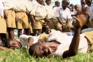 Cómo afecta a la sanidad mundial la epidemia de risas de un pueblo de Tanzania