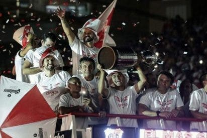 El River Plate da una vuelta olímpica monumental con su cuarta Copa Libertadores