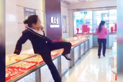 Ladrones: Así 'roban' joyas en tiendas para dejar en ridículo a los vendedores